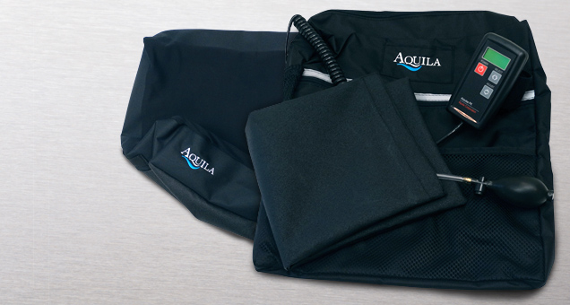 Optional Aquila cushion accessories include positioning pads, a moisture control unit, and full-back cushions.